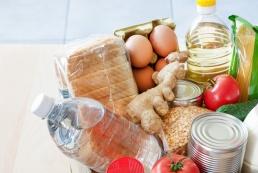 Почти половина затрат россиян в апреле ушла на еду. Это рекордный показатель