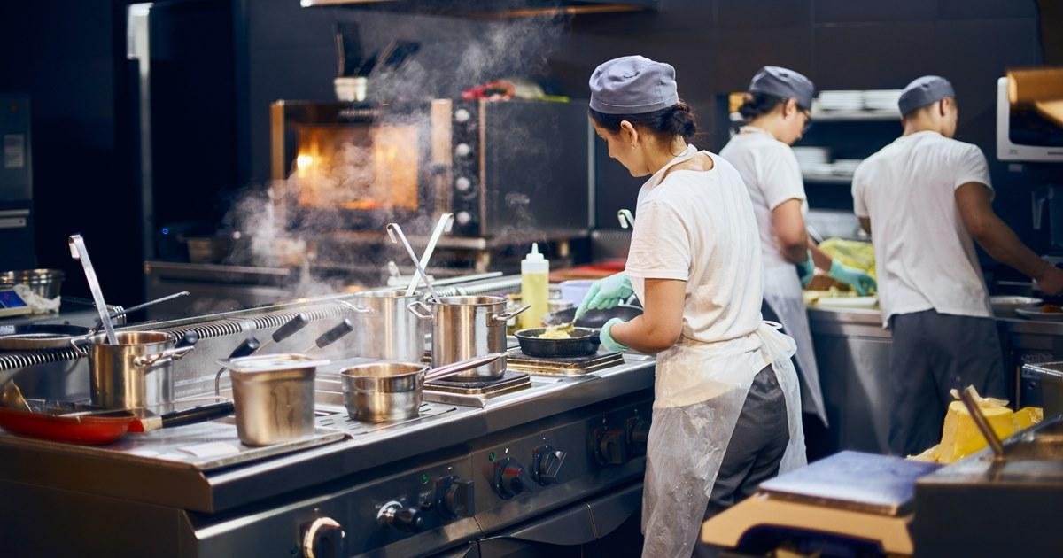 Рестораторы осваивают мобильные dark kitchen