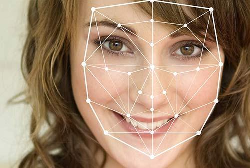 Новая система распознавания лиц и эмоций может перевернуть рынок indoor-рекламы в России