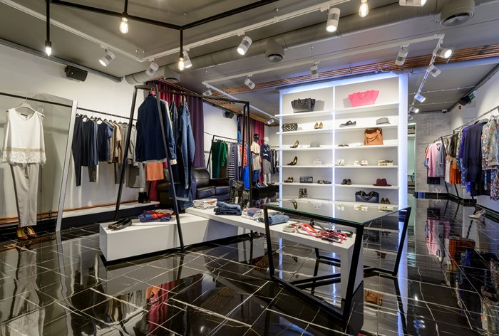 91d884aad36d Цены на одежду и обувь в 2019 году могут вырасти на 20% - Adindex.ru