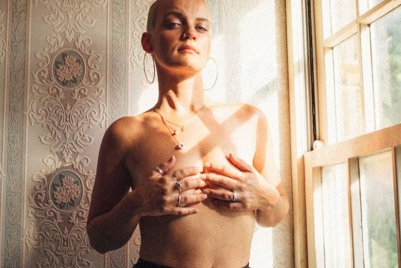Самый драгоценный камень: Against Breast Cancer превратил потерянные волосы в бриллиант