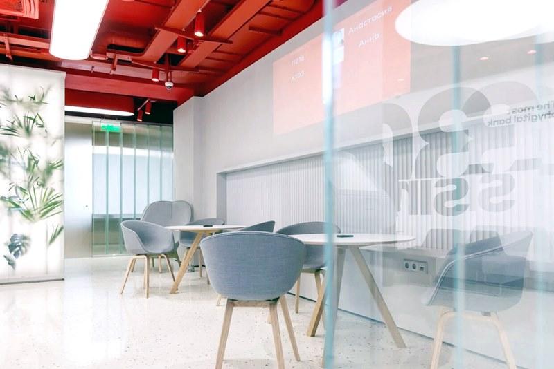 Новый офис Альфа-банка узнает клиентов в лицо