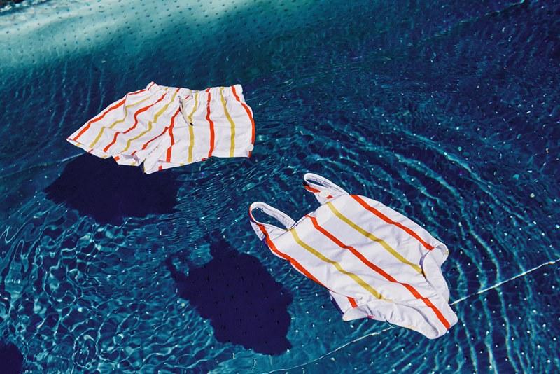 Австрийский McDonald's сшил купальные костюмы из пластиковых отходов
